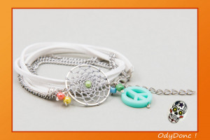 Bracelet Ethnique Attrape Rêves Dreamcatcher Pendentif Artisanal Peace and Love Double Tour