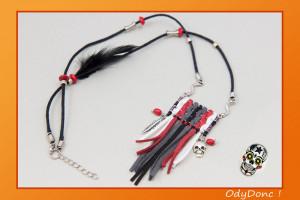 Collier Long ou Mi Long Ethnique Pendentif Franges Fait Main Rock Ethnique Noir Rouge et Blanc